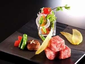 牛ステーキも上質なものにこだわっております