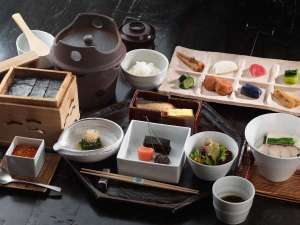 """■ご朝食イメージ/旬素材をふんだんに使い、和のこころを大切にした""""日本の朝ごはん"""""""