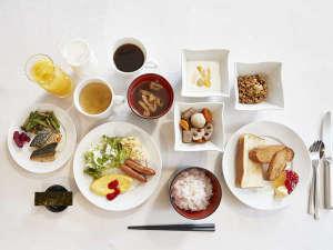 3階ラウンジ■朝食時間…6:30am~9:00am・朝食内容…和食・洋食のビュッフェ