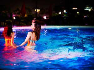 【THE WATER TERRACE】大人の夜の夏遊びには最高のリゾート空間、ナイトプール
