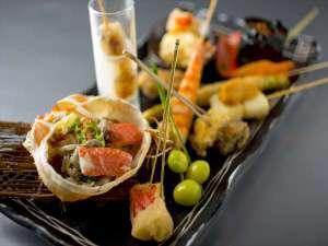 大人の隠れ家レストラン「味寛」では、蟹をふんだんに使用した創作串料理をご用意しています。