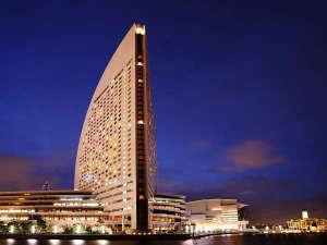 横浜・みなとみらいでいちばん海に近いベイサイドホテル