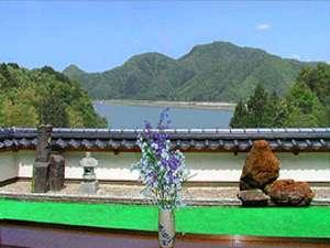 円山川を望む
