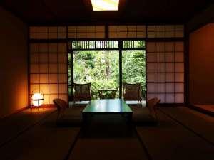 特別室50号室(庭園側・和室10畳+6畳 シャワールーム付き)