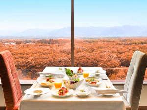 【メリメランジュ】ホテル最上階から眺める那須高原の紅葉