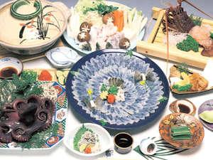ふぐ デラックスコースお料理一例豪華ふぐづくしのコースに加え島グルメを満喫できるコースです。
