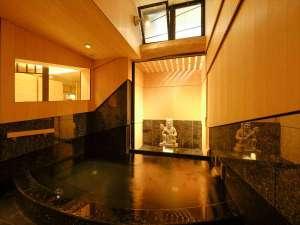 今春リニューアル「前鬼の湯」は24時間入浴可能温泉浴場。館内には「後鬼の湯」と貸切温泉「是空の湯」も