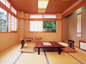 ・和室10畳渓谷側 (3)