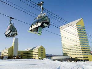 ゲレンデサイドに建つ。スキー・ボードを楽しむには絶好の立地です!