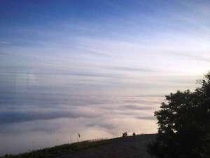【早朝ゴンドラ】6/10-8/20_5:30-6:30太平洋から流れ込む雲海※気象条件が揃うことで発生する現象です。