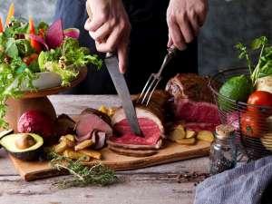 【ファームレストラン:ベルビュー(夕食)】自社直営農場や鮮度と味にこだわったお食事をどうぞ♪