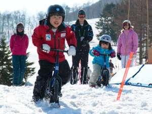 【雪あそび】ソリや雪あそびアイテムもいっぱいだから、こども達も十分楽しめます。