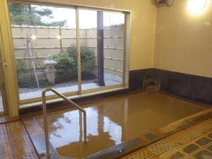 *【お風呂】窓から庭園を眺めながら、温泉浴…