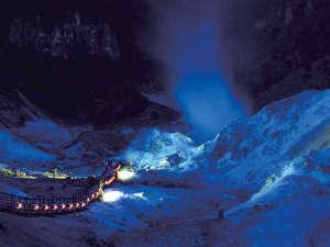 【鬼火の路】冬の夜、雪化粧の地獄谷をお散歩してみませんか(日没~21時30分)