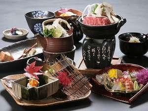 夕食:会席料理一例滋味豊かな季節の食材を使用したお料理をご用意しております