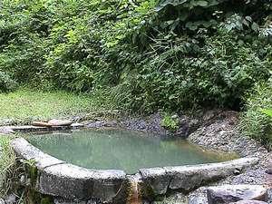 *当館から車で10分の秘湯「石抱温泉」野天風呂ですので、天気のいい日にどうぞ♪