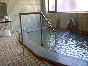 「美肌の湯」とも言われる当館のお湯は、源泉掛け流し!24時間ご利用頂けます