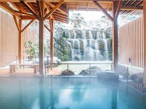 《雪見露天風呂》湯けむりに包まれながら、あたたまりの湯で身体の芯から癒されます(冬季限定)