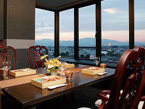 天童で一番高い、最上階の夜景の見える個室で夕食をどうぞ♪