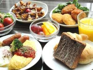 ◆【朝食】栄養バランスを考えたドーミーインの朝食バイキング(約30品)