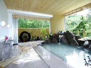 サンシャイン志賀:かけ流しの天然温泉の露天風呂でココロもカラダもリフレッシュ♪