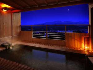 【半露天風呂】四季の匂いと須川沿いの虫たちの音色を聞きながら山形風情を満喫いただけます。