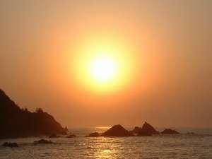 テラスから撮影した夕日の写真(8月)