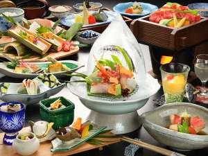 【夕食/初夏・特撰会席】初夏の美味食材を楽しめる会席料理(画像はイメージです)。