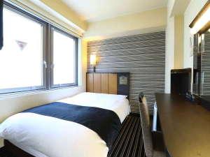 セミダブル(11平米/ベッド幅122cm×1)