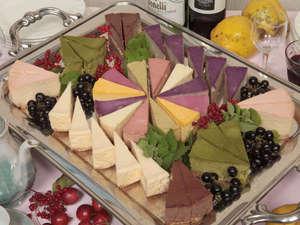 大好評♪山里の恵みの果実で作ったオーナー特製チーズケーキ!