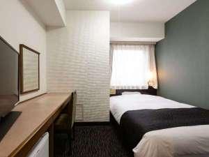 シングルルーム  ダブルサイズのベット(140×210cm)のお部屋です