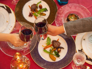 *【夕食(フレンチコース一例)】記念日などの特別な日に、記憶に残るひとときを。