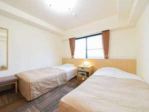 *【ツイン】広々過ごせる快適空間☆ツインタイプの洋室です。