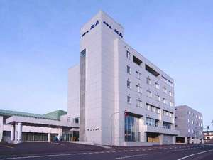 利尻島西海岸沓形地区の町営ホテルです。沓形港より徒歩7分。鴛泊・利尻空港からの送迎あり(要予約)