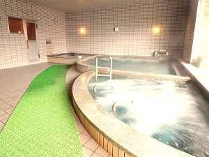 男女各に!サウナと露天風呂を備えた大浴場で、お肌に優しい『温井の天然温泉』を存分にご堪能♪