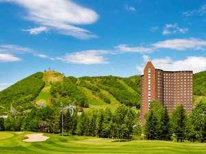 ■外観:手前からゴルフ場、ホテル、遊園地、スキー場、羊蹄パノラマテラス。