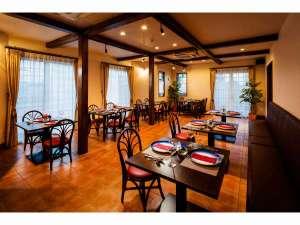 レストラン ワンちゃんの同伴可。ワンちゃんもオーナー様もごゆっくりお食事ができるレストランです。