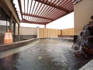 隣接する本館「海月館」の大浴場、露天風呂が無料で利用OK!