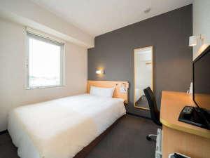 【シングルルーム】全室150㎝幅のゆったりベッド完備 <スーパーホテル米子駅前>
