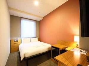 【客室】ダブルルーム/140cm幅ベッド×1台/全室禁煙/話題のミラブルシャワーヘッド全室設置