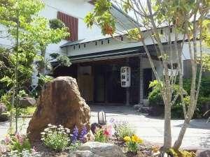 石廊館 400余年室町古湯の宿