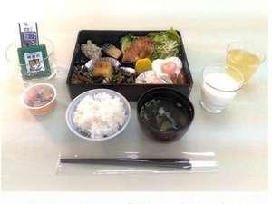 当面の間、朝食バイキング形式からお膳形式にて提供いたします。(配膳の一例)