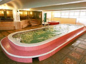 都心では珍しく2種類の天然温泉(重曹泉・硼酸泉)をお楽しみいただけます。※写真は硼酸泉