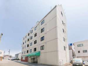 OYO 647 Iwata Station Hotel