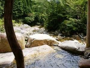 岡山の紅葉スポット近くの温泉宿・紅葉露天のある宿県 倉見温泉 渓谷荘