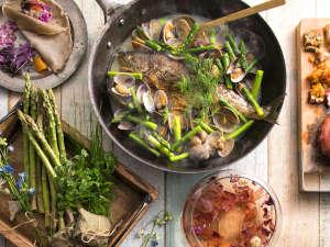 【3~5月限定・春ブッフェ】レストランを華やかに彩る北海道の旬食材。心躍る春の訪れに乾杯を。