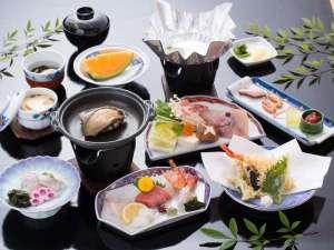 ◆アワビの踊り焼付海鮮会席(写真は一例です。季節の食材でご用意いたします)