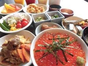 ◆いくら・サーモン・甘えびで海鮮丼