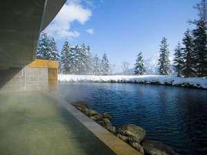 【露天風呂】(冬)源泉かけ流し温泉で心も体もリラックス