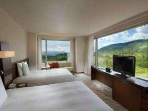 デラックスパノラマルーム ツイン(夏)窓からの絶景&ミニバーなど通常有料特典が無料